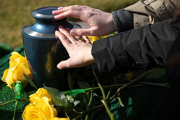 cremation urn funeral service