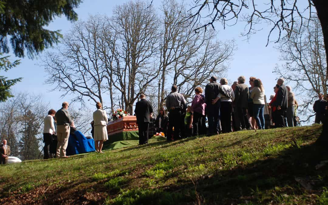 traditional-funeral-graveside-service-raleigh